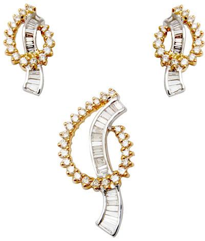 Latest Gold Diamond Pendant Set, Unique