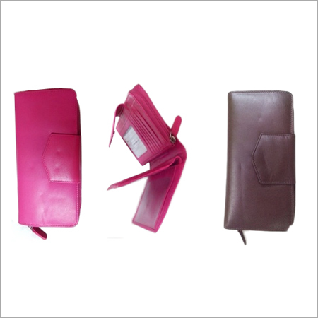 Ladies Wallet with Full Round Zip