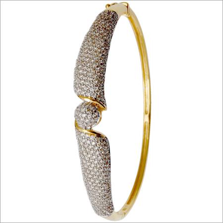 Beautiful Design Gold Diamond Bracelet