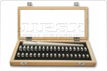 1 To 36 Ring Sizer And Stick in Wooden Box