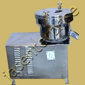 Continuous centrifugal juice extractor