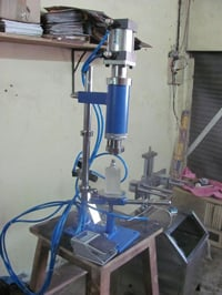 Pneumatic Bottle Crimping Machine