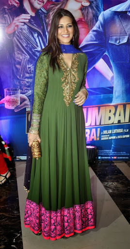 Sonali Bendre Long Suit