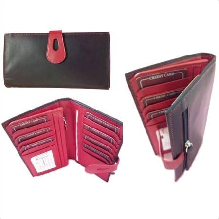Black-pink comboLadies wallet