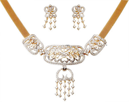 Traditional Look Diamond Gold Jewellery For Bride
