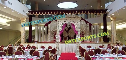 WEDDING DECORATED STAGE SET