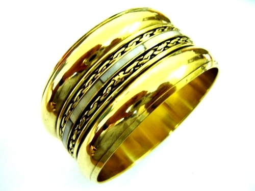 Gold Pleated Bangle