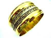 Gold Pleated Bangle