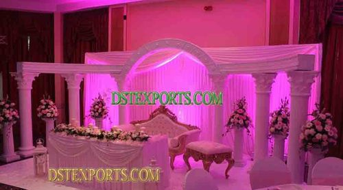 English Wedding White Stage Set