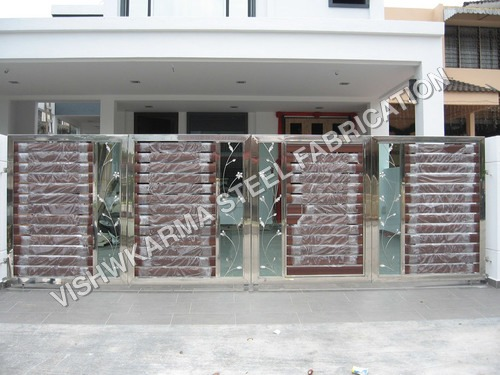 Wooden Fabrication Gate