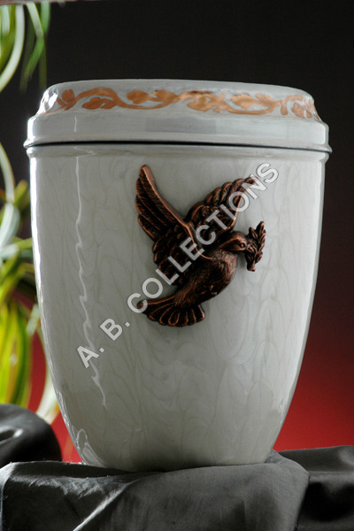 IRON CHEAP CREMATION URN
