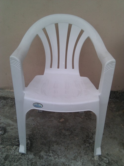 buy plastic chairs online