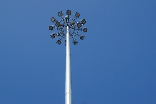 High Mast End Pole