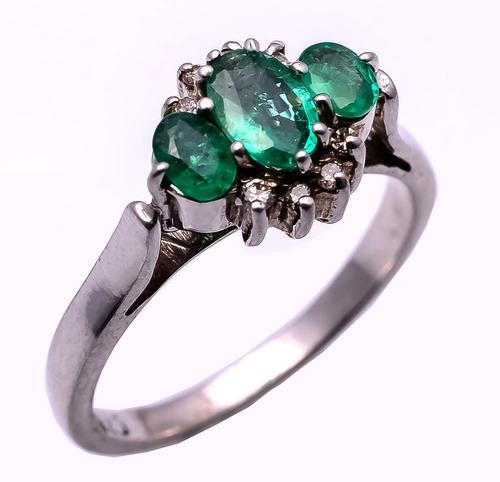 925 Sterling Silver Emerald & Diamond Gemstone Ring