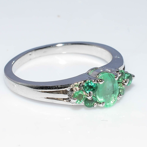 925 Sterling Silver Emerald Gemstone ring