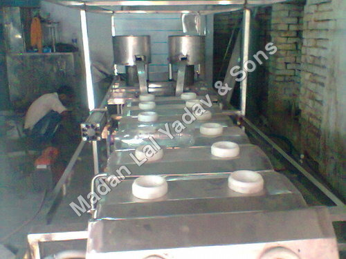 Jar filling machines