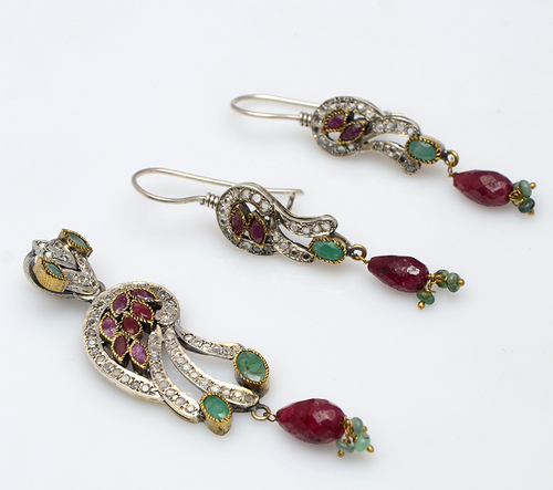 925 sterling silver Ruby, Emerald & CZ Gemstone Victorian pendant Set