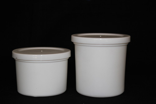 Wide mouth container with Press Fit Cap Press
