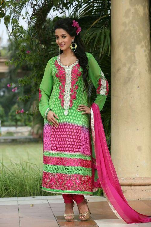 Traditional Style Salwar Kameez