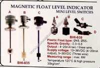Magnetic float level indicator