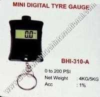 Mini digital tyre gauge