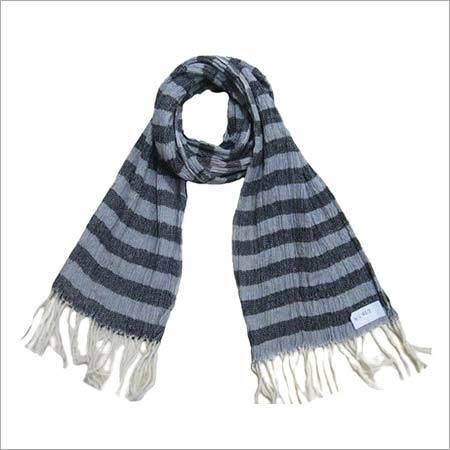 Wool crinkle scarf