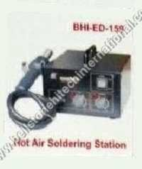 Hot air soldering station