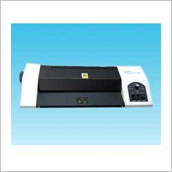 Industrial Pouch Laminating Machine