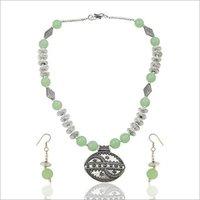 Green Arabesque necklace