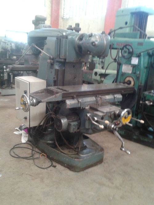 UNIVERSAL HORIZONTAL AND VERTICAL MILLING                     VERNIER