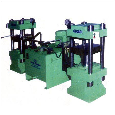 Ruber Molding Machine