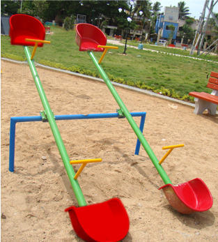 Seesaw 4 Seater