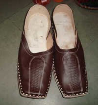 Classic Covered Mojari