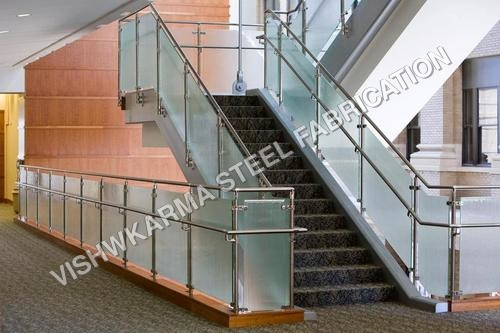 Railing contractor