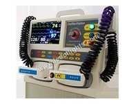 BIPHAGIC CARDIAC MONITOR WITH Defibrilator