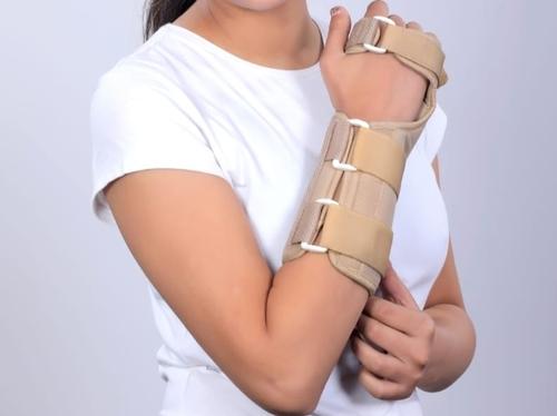 Four arm splint