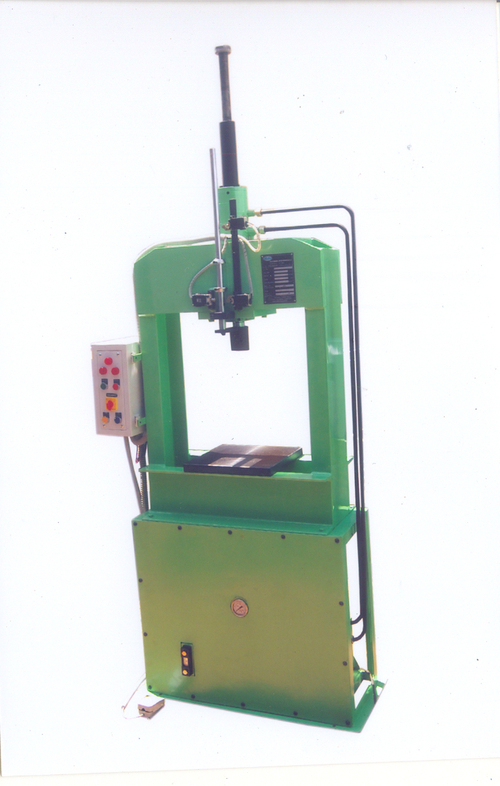 Semi Automatic Broaching Machine