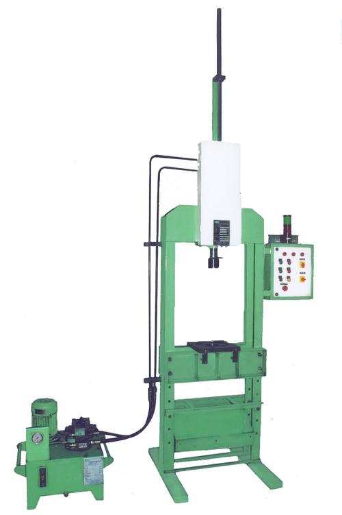 Semi Automatic Broaching Machine
