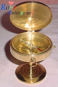Flat Brass Compass with Stand