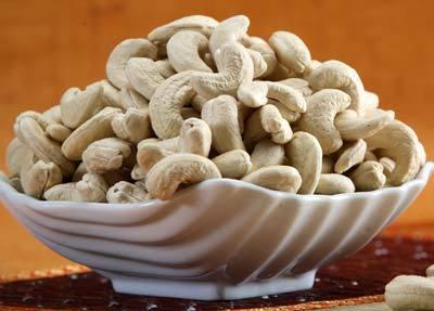 Cashew Nut Kernel White Whole W450