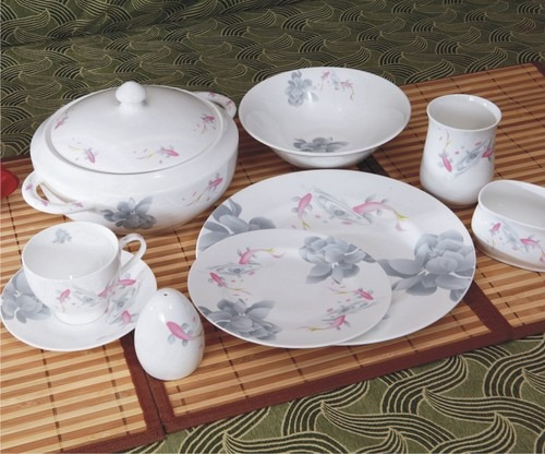 Bone china Porcelana