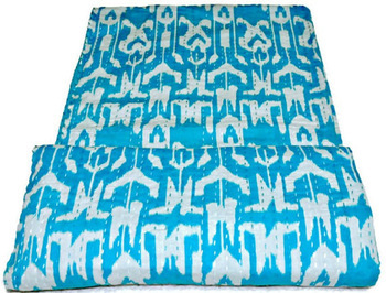 Ikat Quilt in Turquois