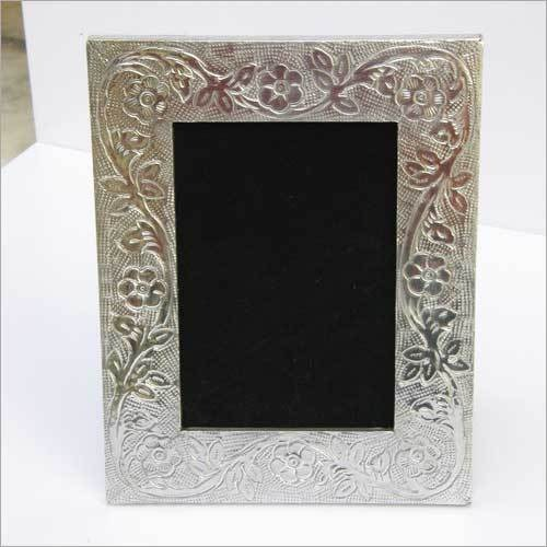 SILVER ALUMINUM  PHOTO FRAME