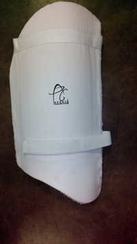 APG Cricket Thigh Guard