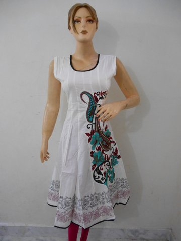 Women Ethnic Wear Kurtis