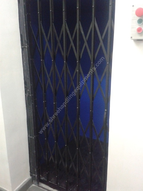 Commercial Hydraulic goods Lifts