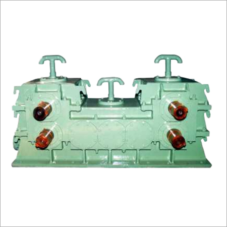 Single Input Double Output Gear Box Cum Pinion Stand