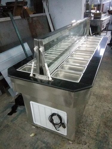 Refrigerated Plane Salad Bars