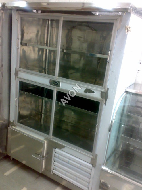Vertical Display chiller