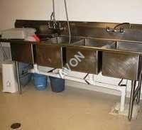 FOUR SINK UNIT (84x24x34+6)